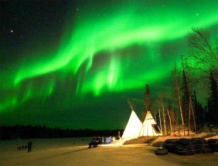 加拿大偏远北部地区移民试点项目带你看极光