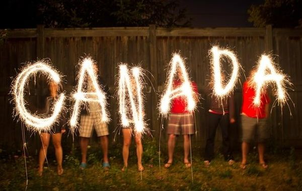 顺利成为加拿大新移民后准备登陆加国时有哪些需要注意的!
