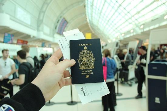 加拿大护照申请