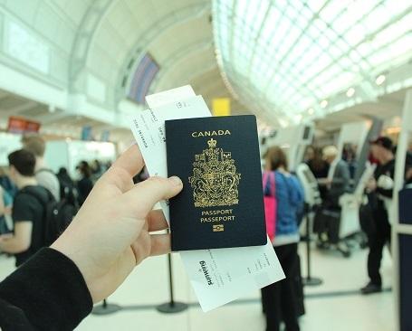 加拿大发布旅行禁令豁免规定,工签、学签及PR登陆可照常入境!