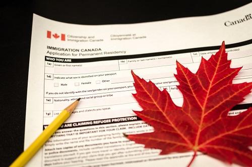 加拿大担保移民