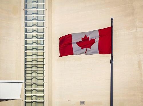 加拿大6月份接待近2万名新移民,中国申请人排名第二!