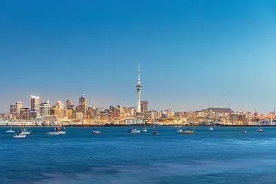 新西兰奥克兰的天空之城是南半球最高的地标吗