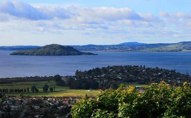 新西兰罗托鲁阿能体验地热和泡温泉吗