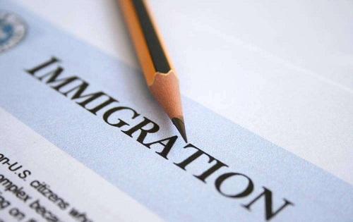 学历、语言都不高的,有什么项目可以申请加拿大永居签证?