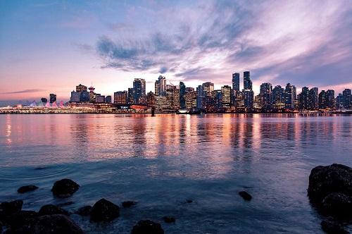 加拿大再度成为全球第十大经济体,移民群体功不可没!