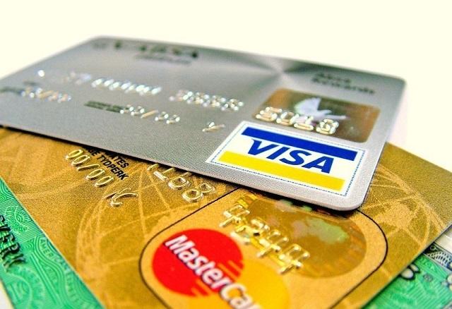 2020年投资移民西班牙后如何办理银行卡?洲巡出国