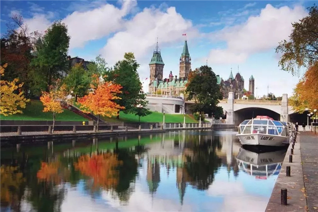 加拿大定居生活,洲巡出国